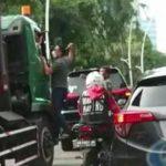pelaku pengemudi pajero aniaya sopir truk foto pmjist 840x576